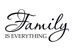 wall_decal_quote_family_is_everything_s
